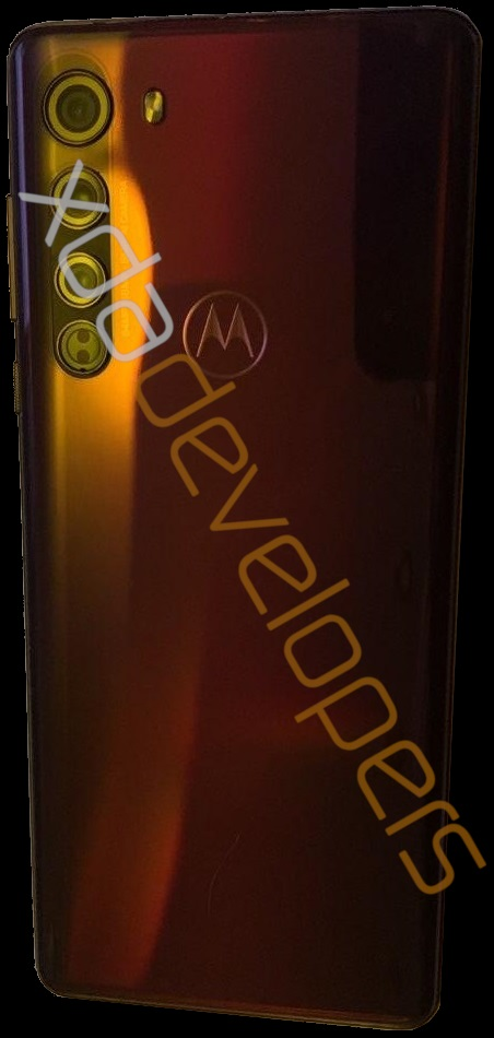 Motorola-Edge-Rear-Design-1-0582539930.jpg