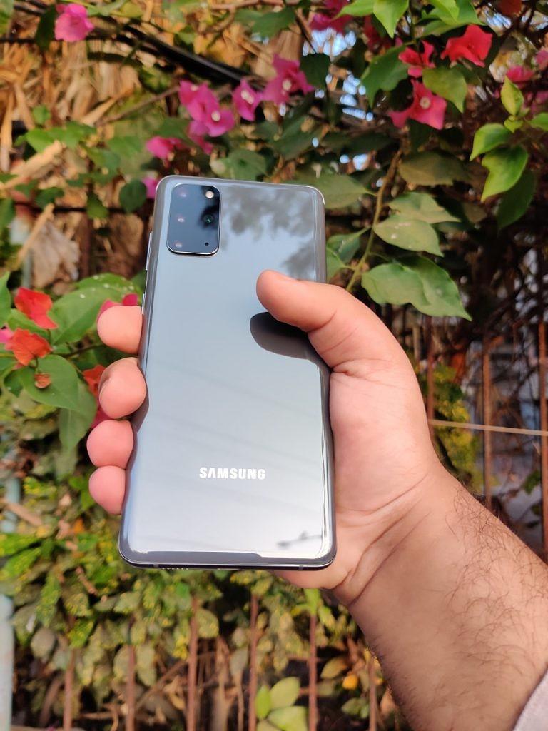 Samsung-Galaxy-S20-Plus-1-e1585201557506-768x1024-1.jpg