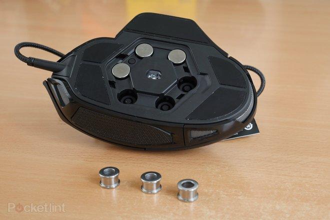 142790-laptops-buyer-s-guide-corsair-nightsword-rgb-gaming-mouse-image9-kghub5rfek.jpg