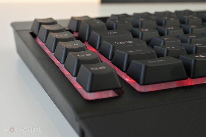 142759-laptops-buyer-s-guide-corsair-k57-wireless-gaming-keyboard-image13-lgpbamr7fu.jpg