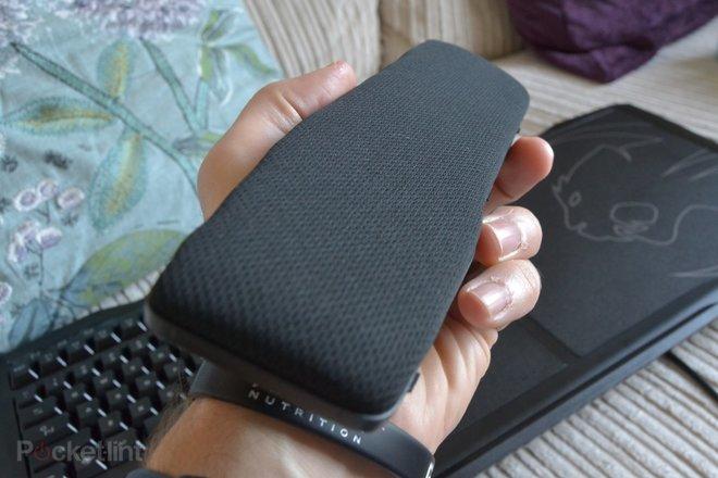 142759-laptops-buyer-s-guide-roccat-sova-image4-lvxfpsh1r4.jpg