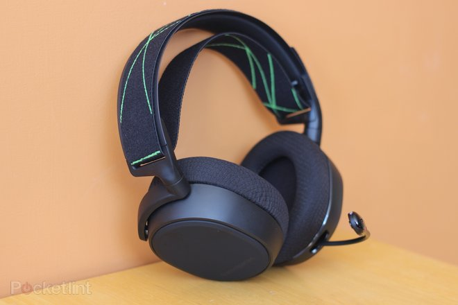 152198-headphones-buyer-s-guide-best-xbox-one-headsets-for-2020-superb-headphones-for-party-chat-and-gaming-image1-frqwlqsfks-2.jpg