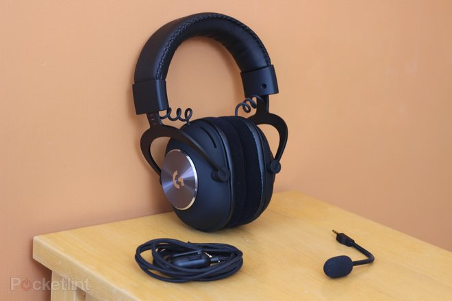 152198-headphones-buyer-s-guide-best-xbox-one-headsets-for-2020-superb-headphones-tested-for-party-chat-and-gaming-image1-0iunrmpsql.jpg