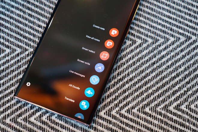 153177-phones-review-hands-on-samsung-galaxy-note-20-ultra-review-image17-e1keowi7y4.jpg