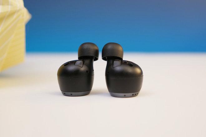 153366-headphones-review-technics-eah-az70w-review-image4-h8n0oqp9re.jpg