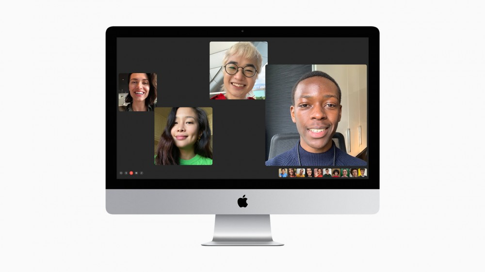 An iMac with ongoing Facetime Call