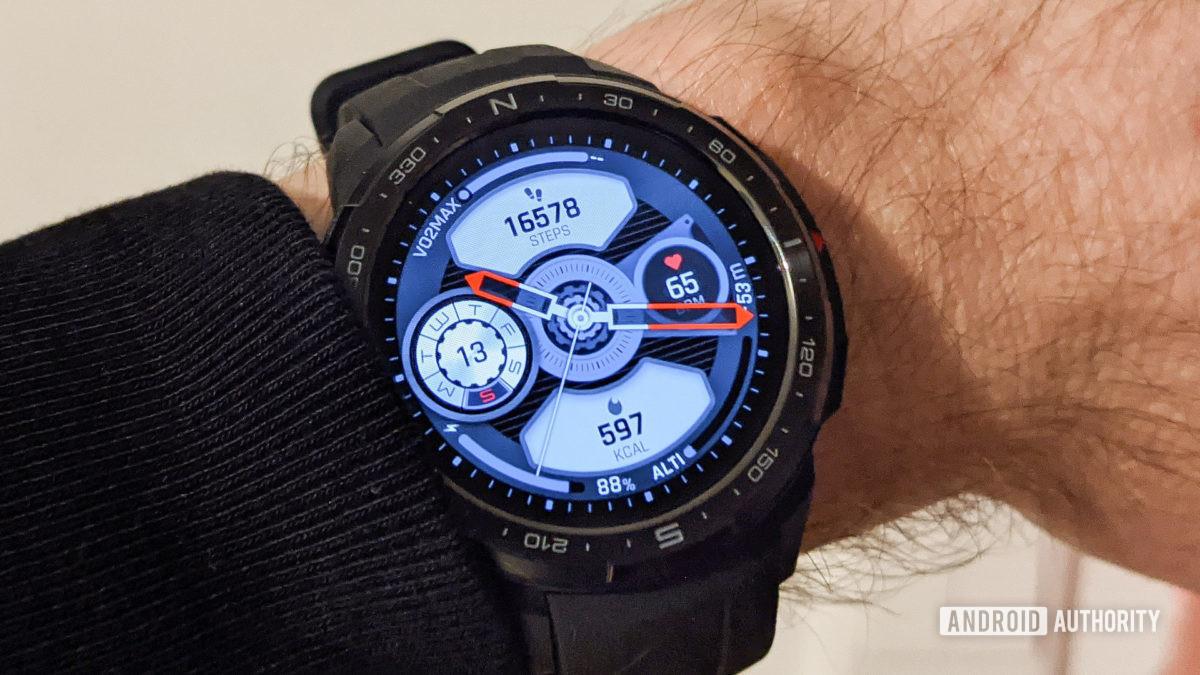 Honor Watch GS Pro錶盤,帶步數