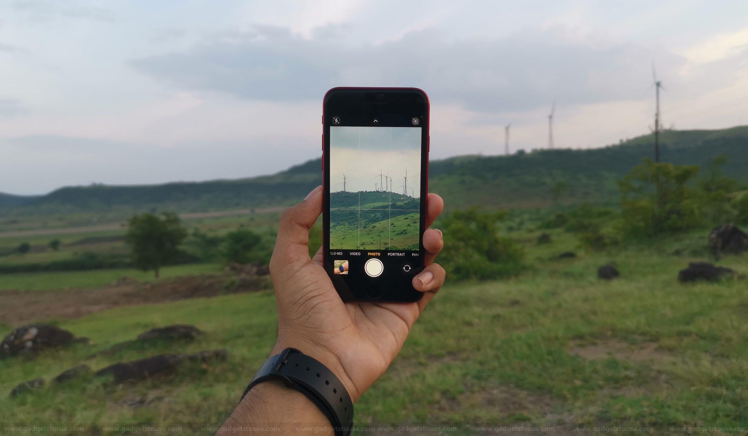Reasons to Buy iPhone SE 2020: Camera