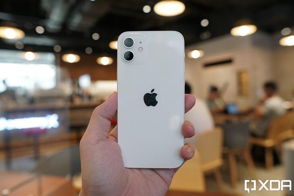 iphone-12-hands-on-xda-61234-1024x683-3.jpeg