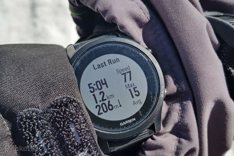 150144-fitness-trackers-news-garmin-forerunner-935-hits-black-friday-prices-with-huge-discounts-image1-yibutrlfqy-2.jpg