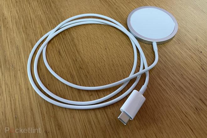 154305-phones-review-apple-iphone-12-review-product-shots-image17-nhhplouniz.jpg