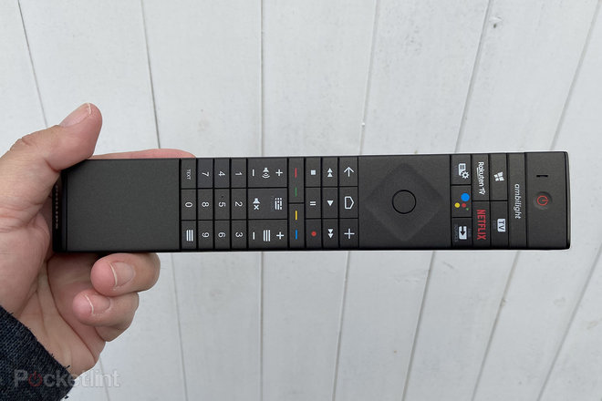 154307-tv-review-philips-oled-935-review-image4-ptoztib172.jpg