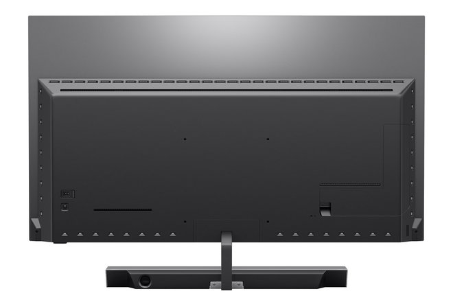 154307-tv-review-philips-oled-935-review-image5-jxcitr0j1y.jpg