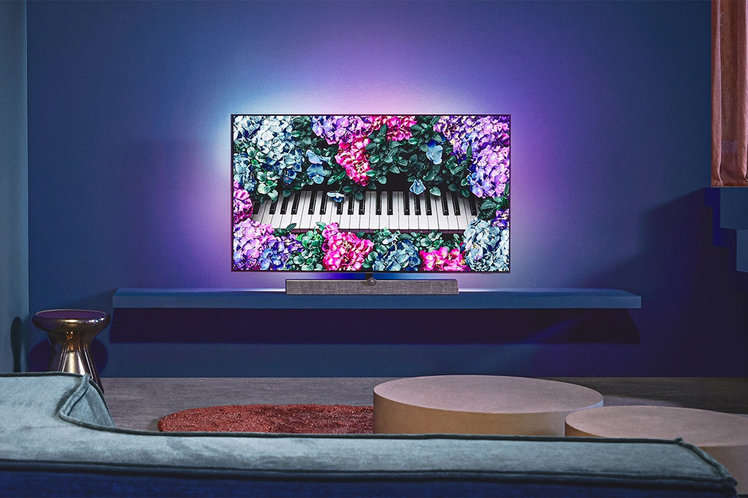 154307-tv-review-philips-oled-935-review-image8-vmpjlcon7k-1.jpg