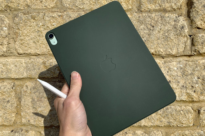154323-tablets-review-ipad-air-review-image5-xu7cnaefzt.jpg