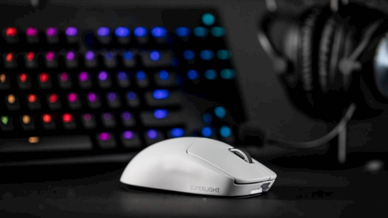 Logitech G Pro X Superlight mouse trims weight to make you a better gamer