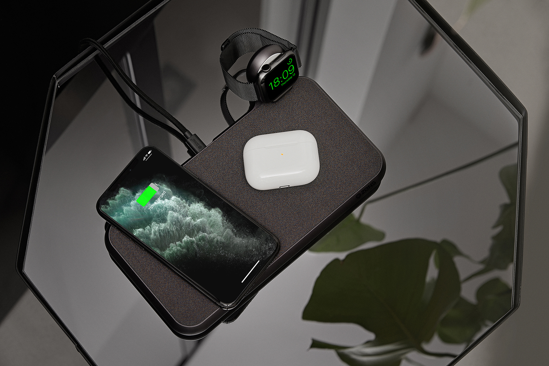 ZENS-Liberty-16-Coils-Wireless-Charger-with-Apple-Watch-USB-stick-Lifestyle-Image-1.jpg