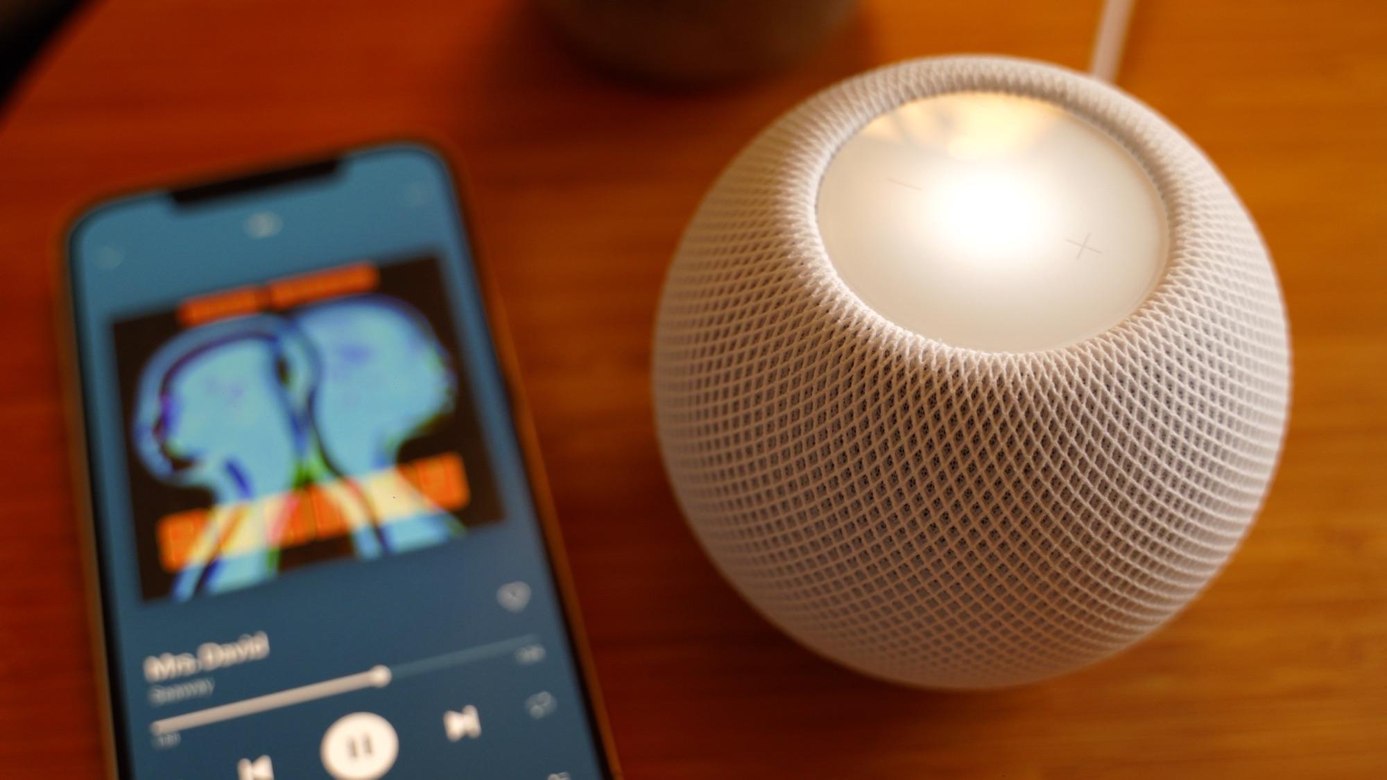 homepod-mini-next-to-iphone.jpg