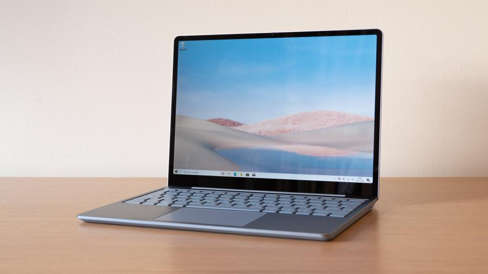 microsoft_surface_laptop_go_review_2.jpg