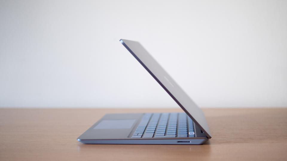 microsoft_surface_laptop_go_review_3.jpg