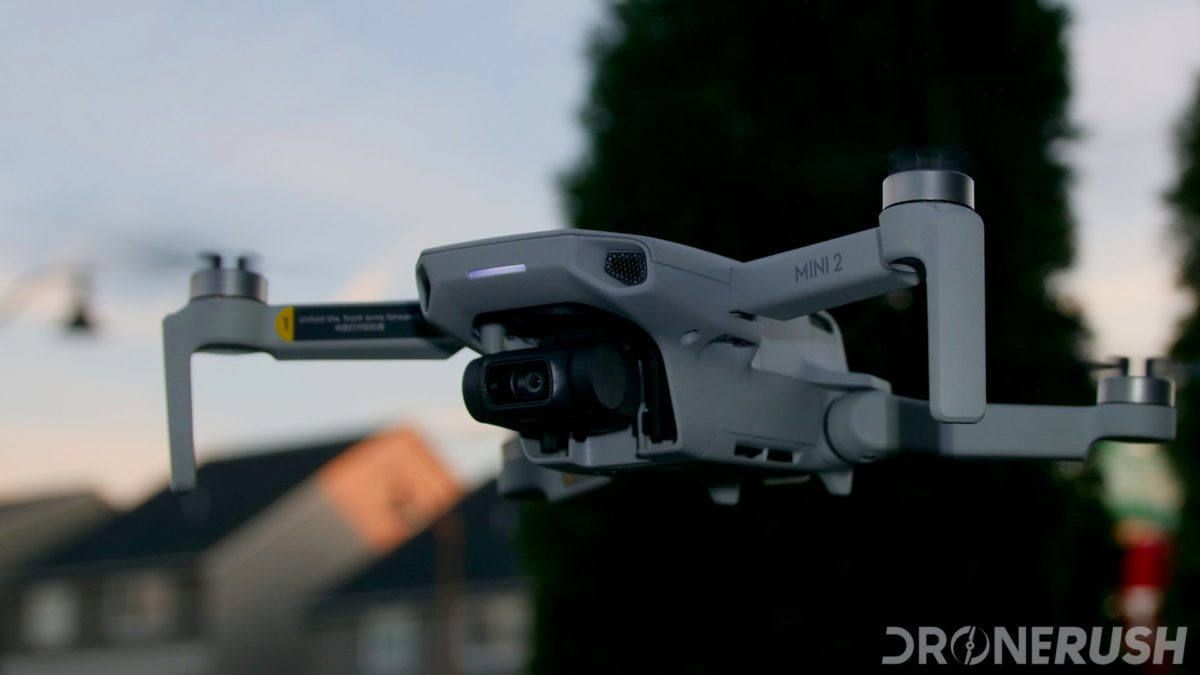 DJI Mini 2 flying angle low sky
