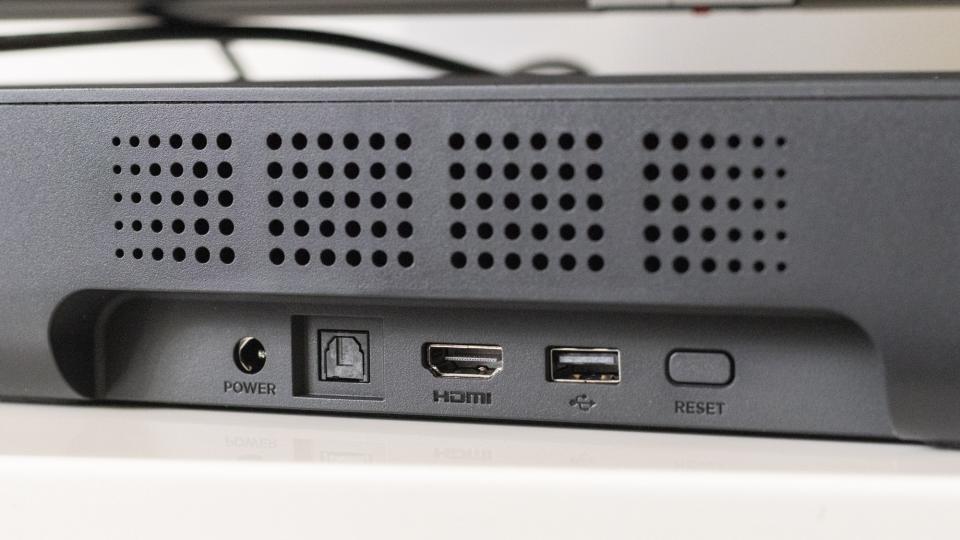 roku_streambar_review_ports_connectivity.jpg
