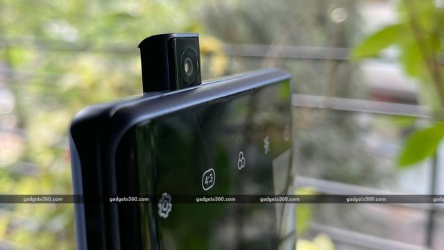 LG Wing popupcamera LG Wing Review