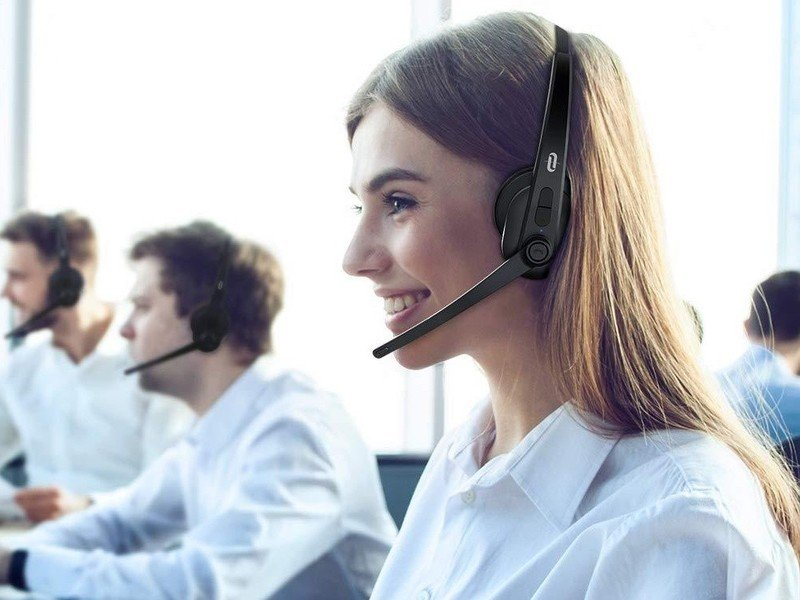 taotronics-office-headset-lifestyle.jpg