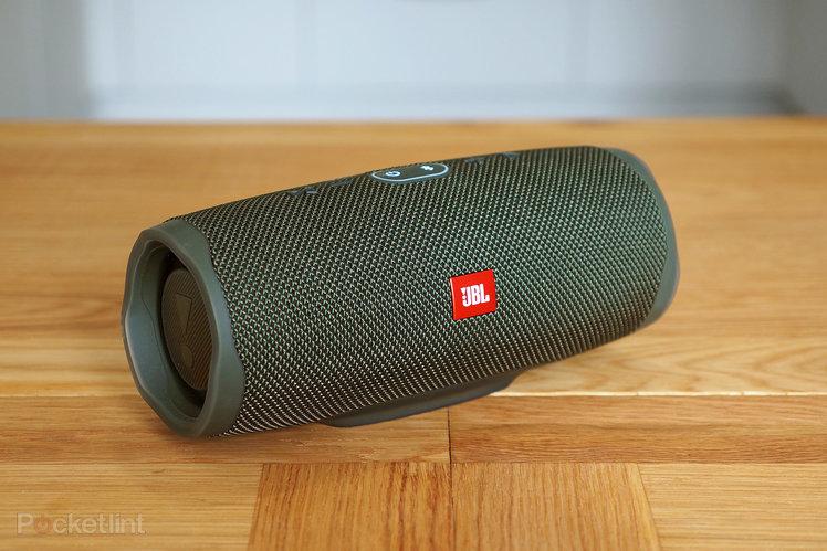 154291-speakers-review-jbl-charge-4-review-image2-roaxrmpvwi.jpg