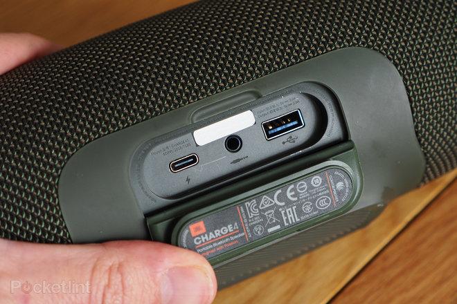 154291-speakers-review-jbl-charge-4-review-image7-rrebsmyiuk.jpg