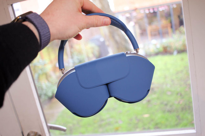 154992-headphones-review-hands-on-apple-airpods-max-initial-review-premium-headphones-with-a-premium-price-image14-zh0imdrcq4.jpg