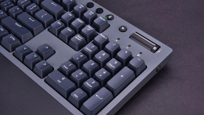 Thermaltake-W1-Keyboard-PR-1-1.jpg