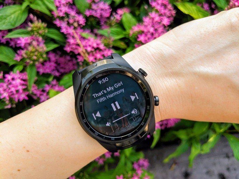 ticwatch-pro-g4-playback-controls-purple-flowers.jpg