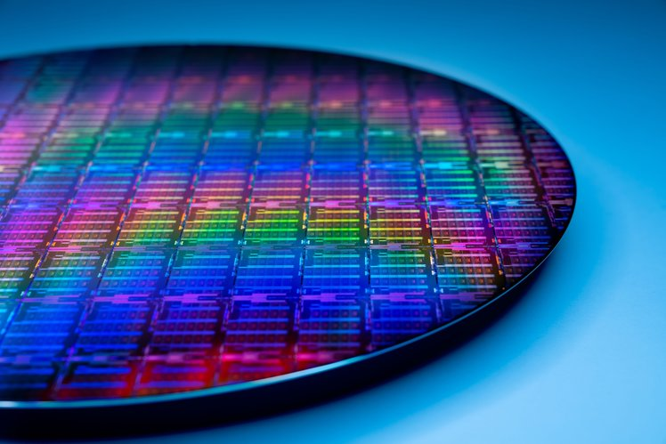 156278-laptops-news-intel-wants-to-build-chips-for-others-even-apple-and-its-7nm-chips-are-finally-coming-in-2023-image1-ra8sikixfl-2.jpg