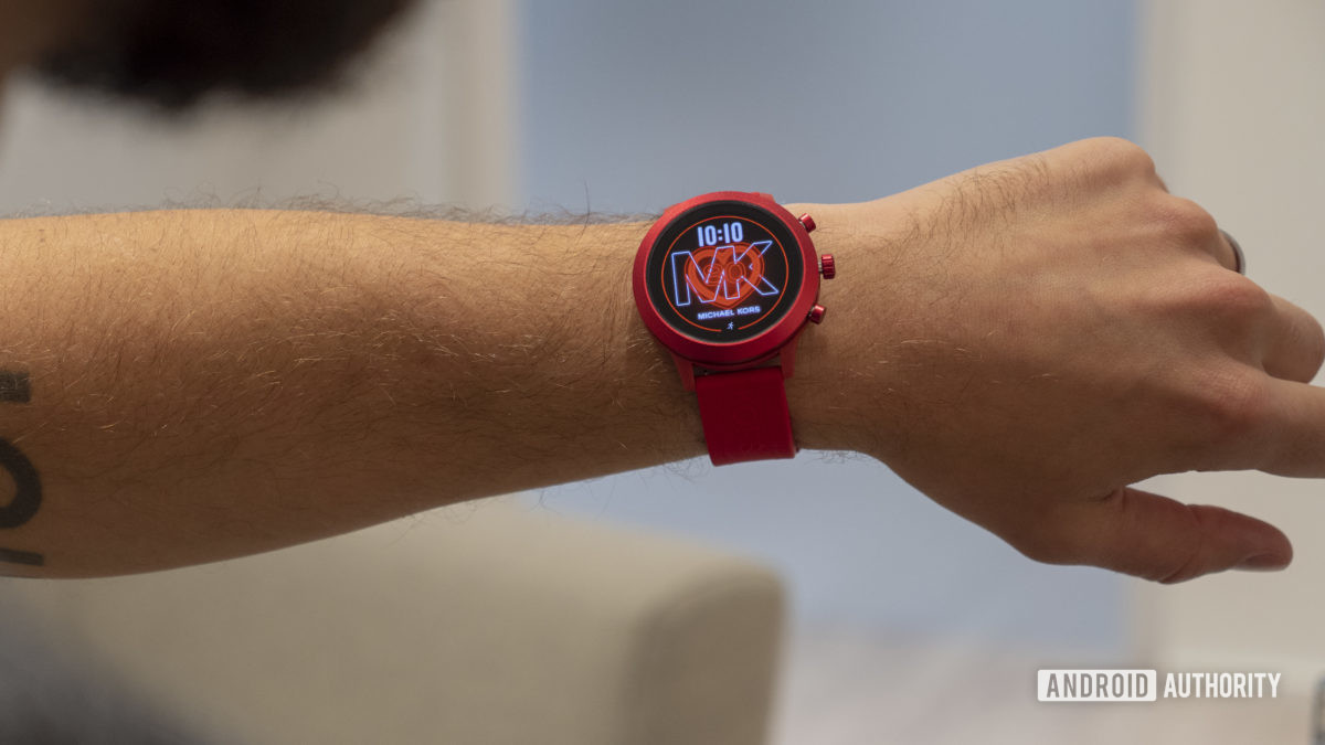 Michael Kors MKGO Wear OS 6