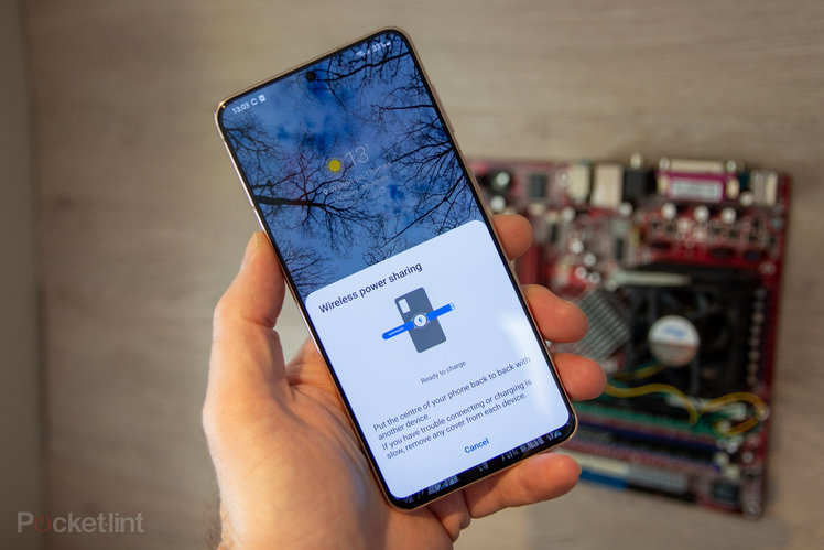 147175-phones-news-feature-samsung-galaxy-s10-powershare-how-to-charge-another-device-using-your-smartphone-image3-zpm9ythj8u-2.jpg