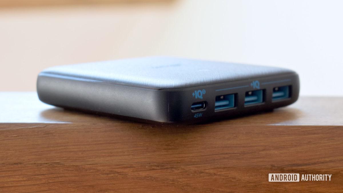 Anker PowerPort Atom III Slim profile