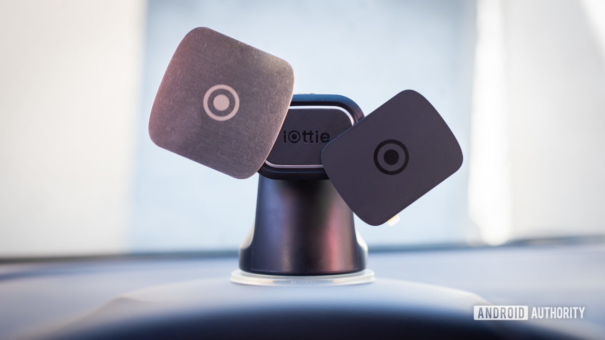 Iottie iTap Magnetic 2 car mount review 2