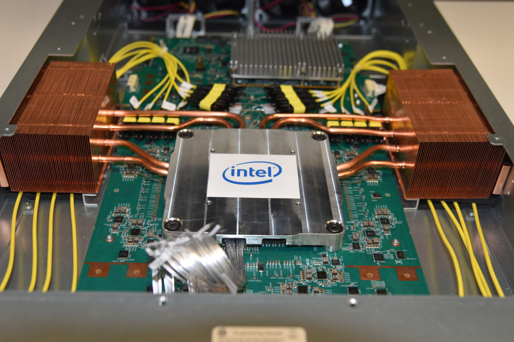 Back in March 2020, Intel announced the successful integration of its 1.6 Tb/s silicon photonics engine with its 12.8 Tb/s programmable Ethernet switch, putting optical I/O on the same package as a Barefoot Tofino 2 ASIC for the first time.