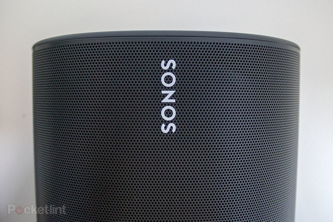 149397-speakers-review-sonos-move-review-image9-k4oxngmtuh.jpg