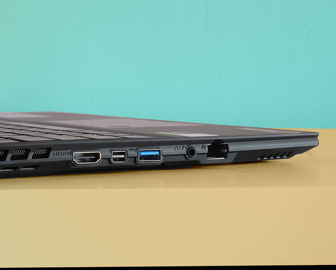 156505-laptops-review-gigabyte-aero-15-oled-review-image8-nryo4if2hz.jpg