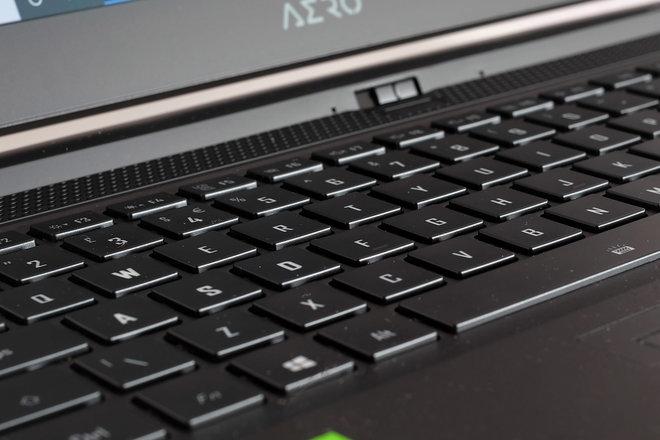 156505-laptops-review-gigabyte-aero-15-oled-review-image9-mh7yqcibj9.jpg