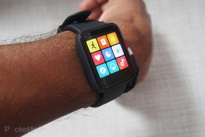 156548-fitness-trackers-review-xiaomi-mi-watch-lite-on-the-wrist-image3-3bhyo94z1p.jpg