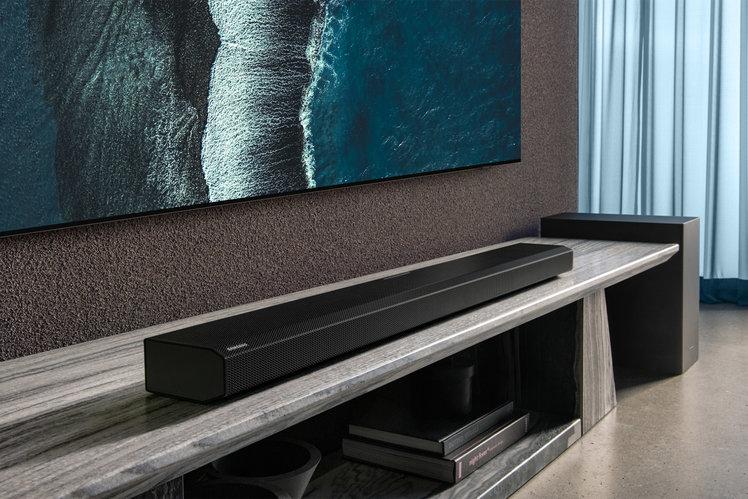 156561-speakers-review-samsung-hw-q800a-soundbar-review-image6-py31jz7fzd-3