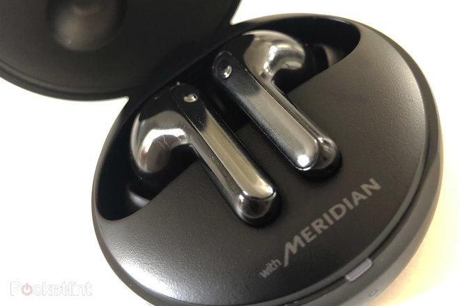 156590-headphones-review-lg-tone-free-hbs-fn7-review-image2-ntlakuuq4d.jpg