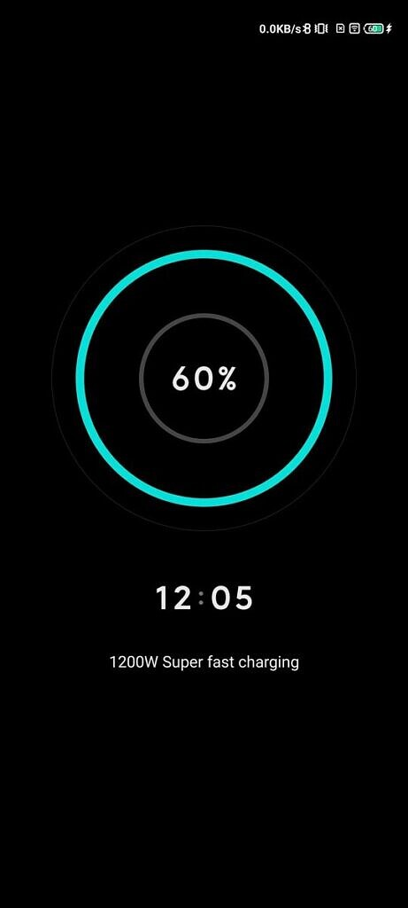 Custom charging screen with a blue circle, black background, and charging indicator in the center