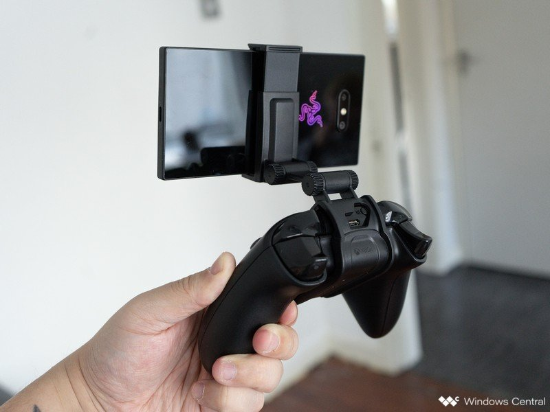 moga-phone-clip-3.jpg
