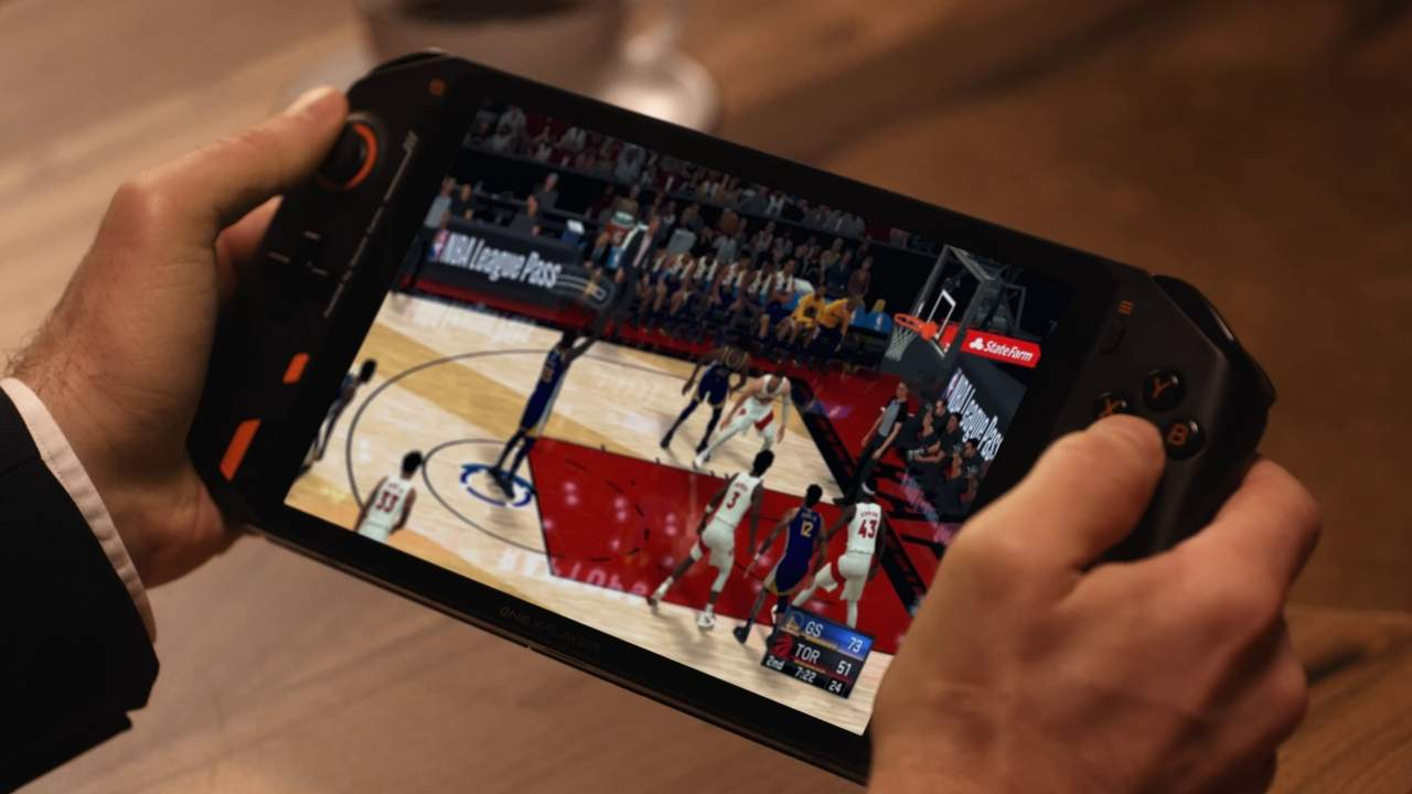 ONEXPLAYER gaming PC handheld comes with a bigger screen