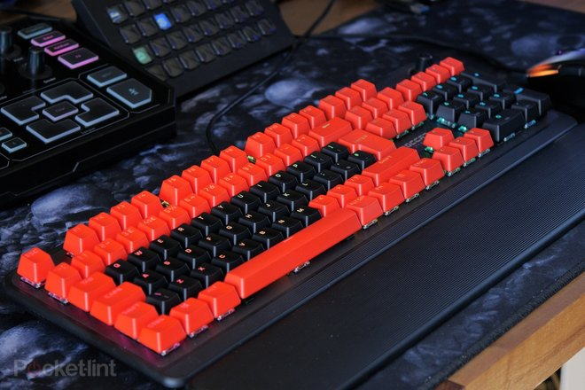 157232-gadgets-review-roccat-pyro-gaming-keyboard-review-an-affordable-mechanical-keyboard-with-appeal-image13-akcfzul52f.jpg