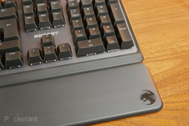 157232-gadgets-review-roccat-pyro-gaming-keyboard-review-an-affordable-mechanical-keyboard-with-appeal-image14-luolervmbb.jpg